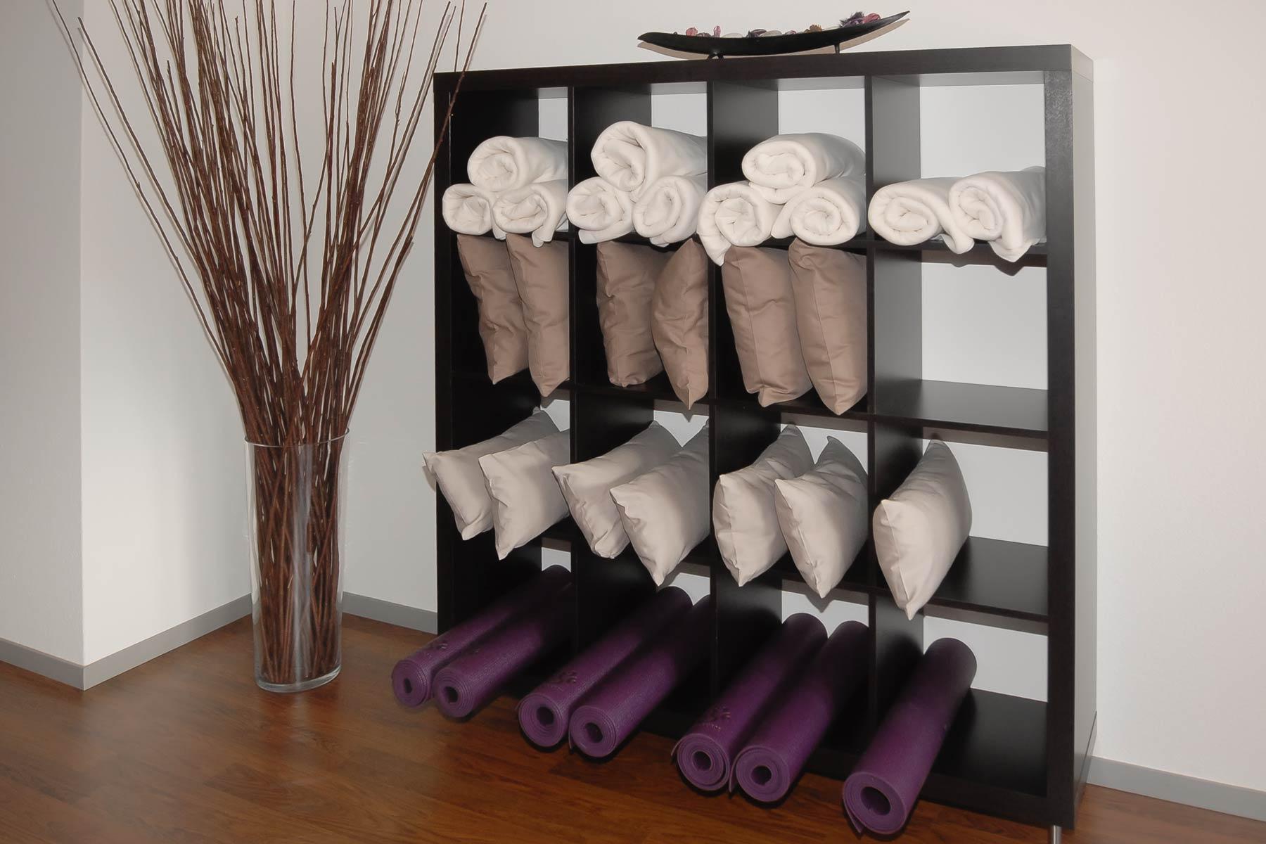 Yoga Studio: Matten, Decken, Kissen